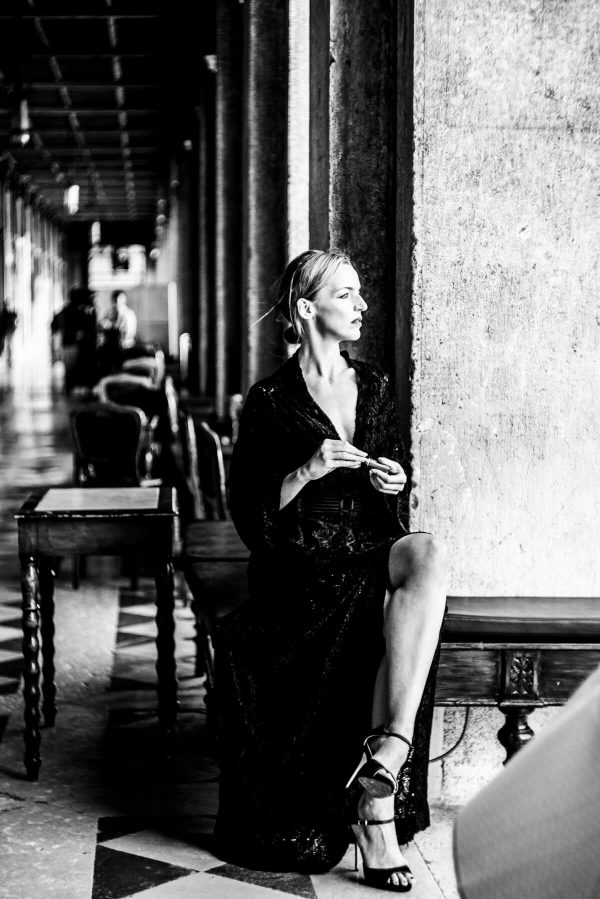 Frau in Venedig Portrait in S/W