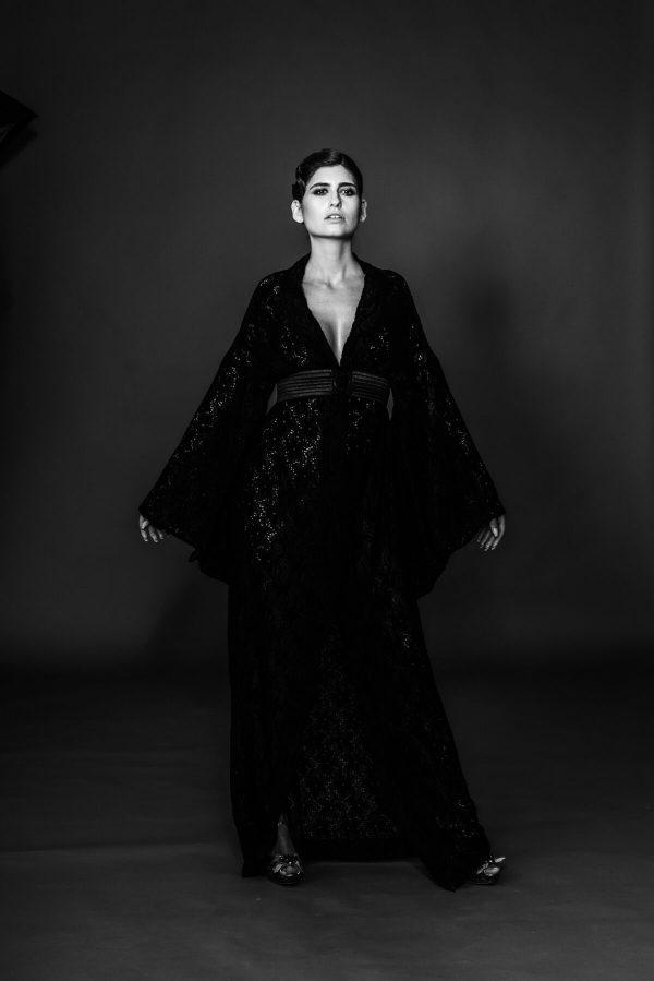 Frau im Kimono 20er Style Portrait in S/W