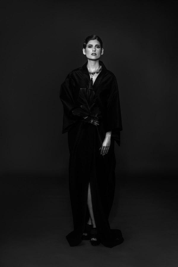 Frau im Kimono Portrait in S/W