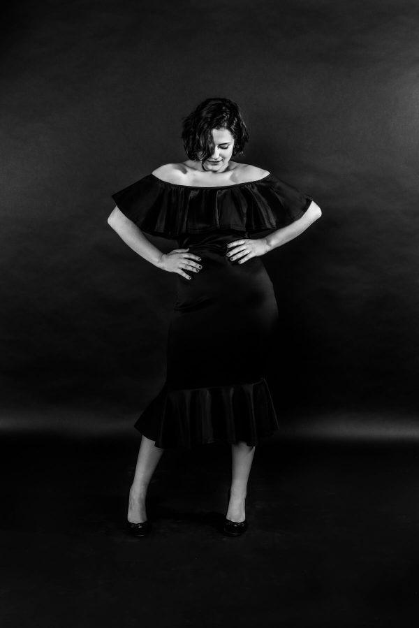 Frau im Kleid Portrait in S/W