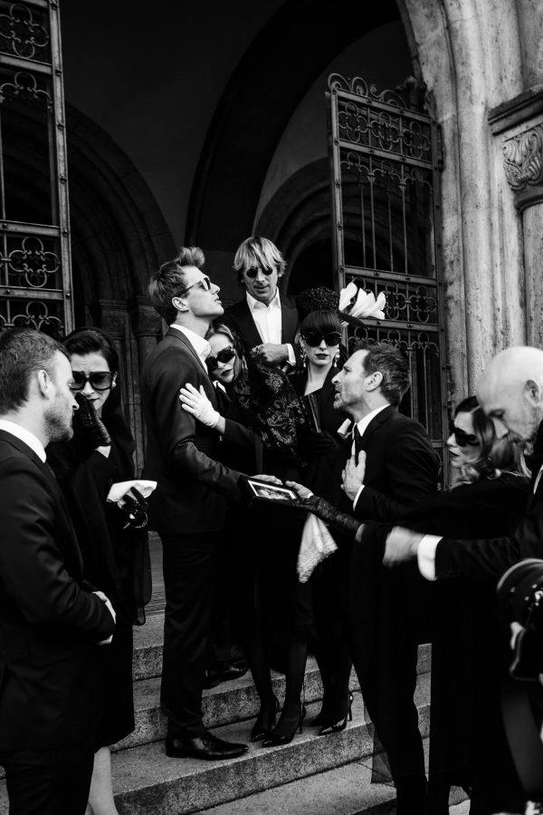 Luxusfashion Beerdigung Gruppenportrait in S/W