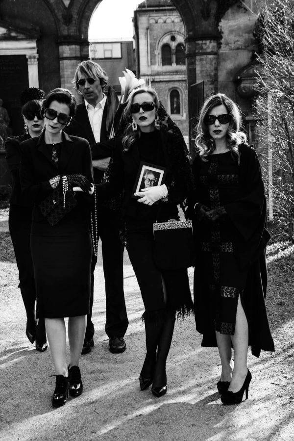 Luxusfashion 7dressew Beerdigung Frauenportraits in S/W