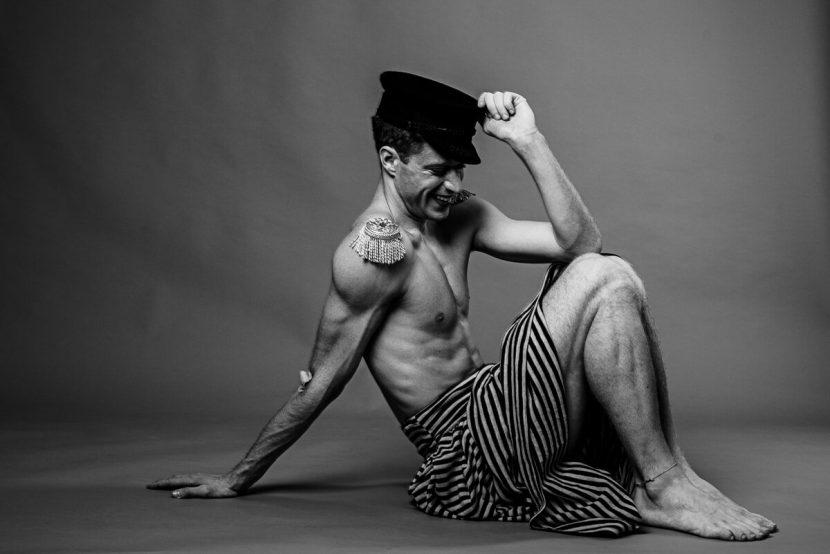 Tänzer Mann Portrait in S/W