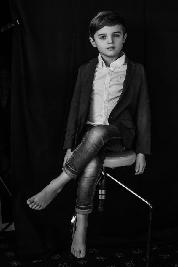 Kinderportrait in schwarz weiss, Businessman