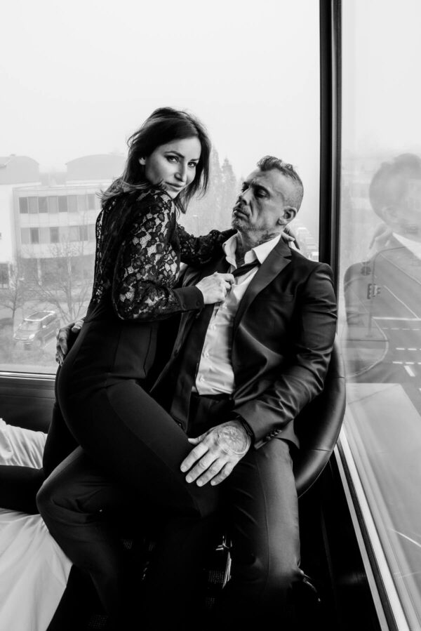 Pärchenshooting Mann und Frau S/W