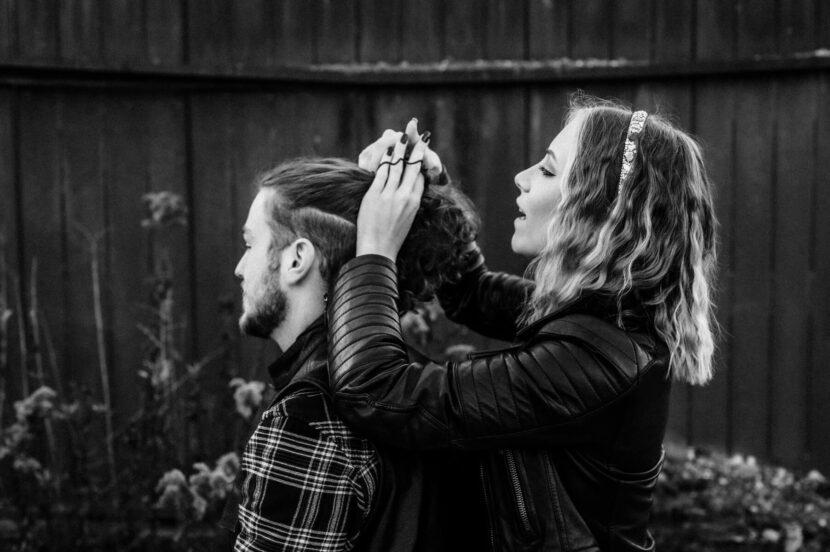 Lovestory, Pärchen, sw, Haare flechten