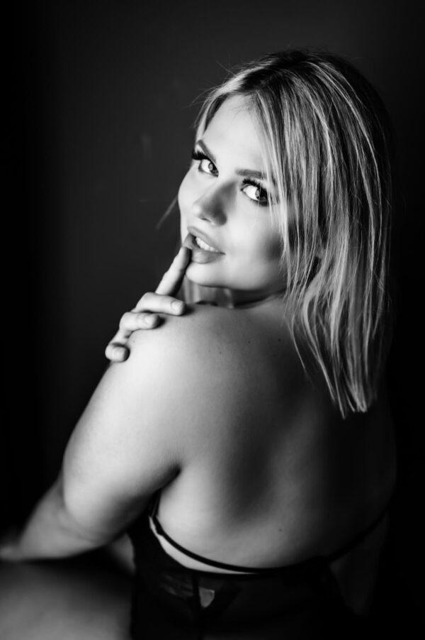 Porträt schöner blonder Frau